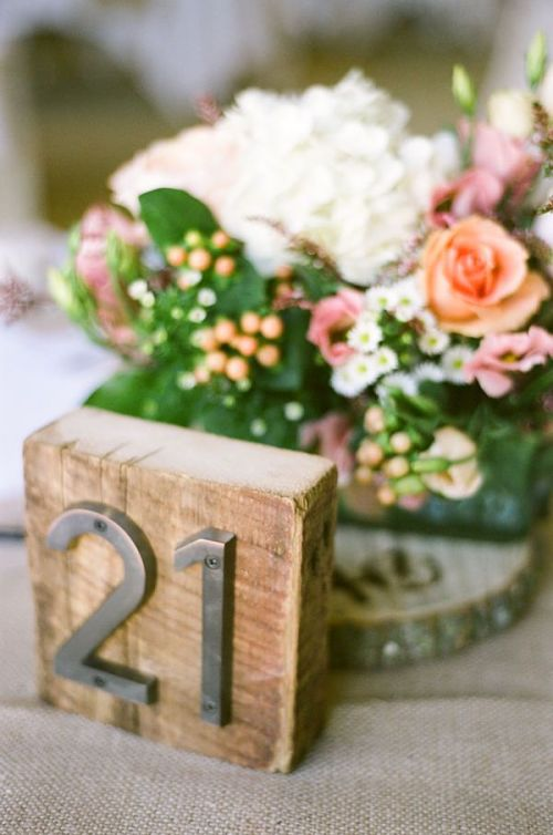 bodas_centros_de_mesa_flores_tarros_vasos_cajas_de_madera_blog_ana_pla_interiorismo_decoracion_4