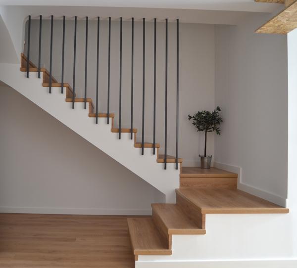 Historia de una barandilla casamya ana pla - Barandillas de escaleras interiores ...