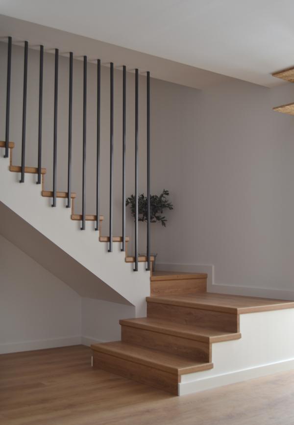 Historia de una barandilla casamya ana pla - Barandillas de forja para escaleras de interior ...