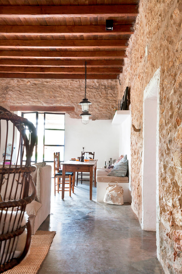 ibiza_granja_reconvertida_deco_casa_campo_verano_blog_ana_pla_interiorismo_decoracion_3